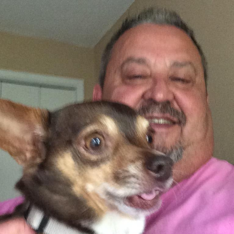 pet sitter Oscar Antonio