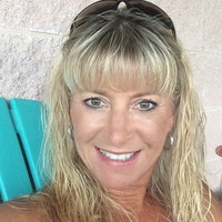 house sitter Tracy