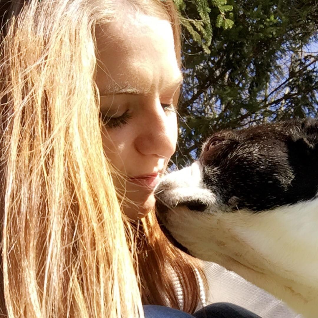 dog walker Alysa