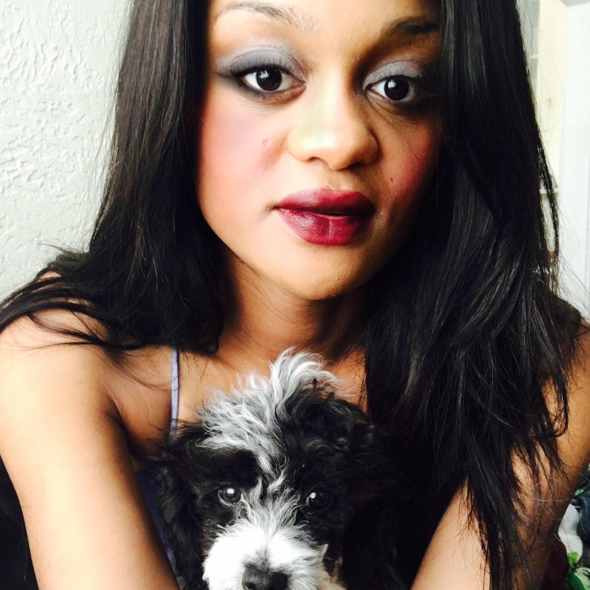 dog walker Younniaa