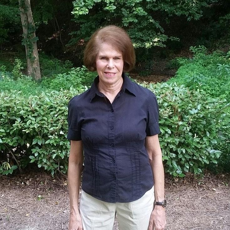 Bobbi W.